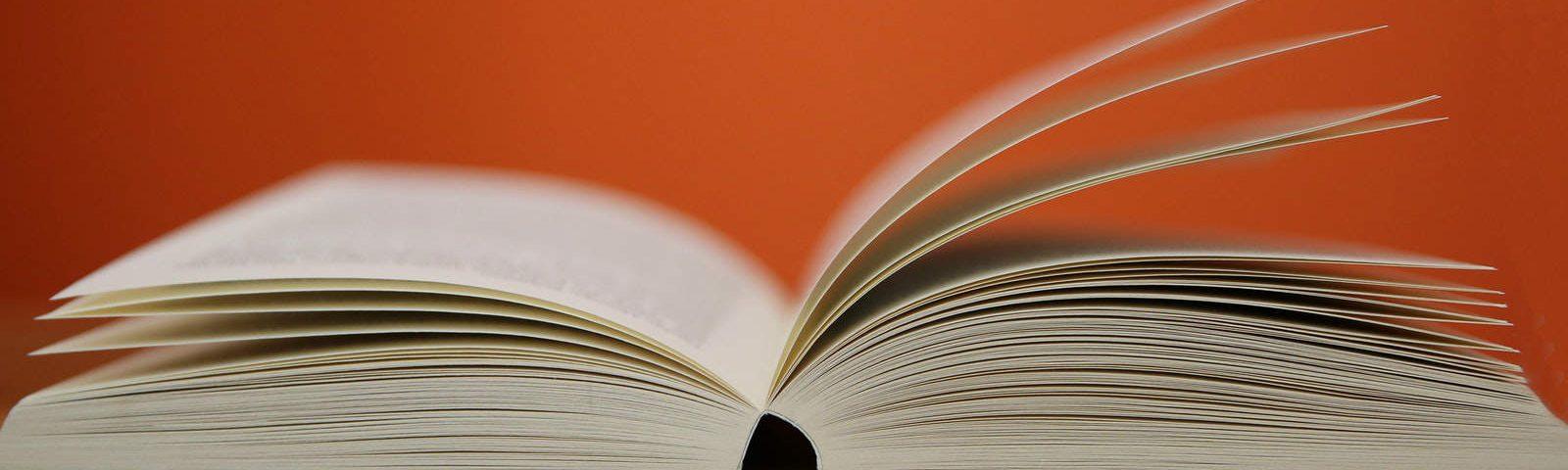 Knjiga, slika: https://www.pexels.com