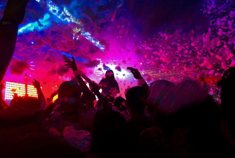 zurka-bacanje-salveta-proslava